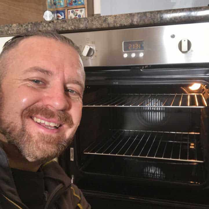 How to clean your oven 7